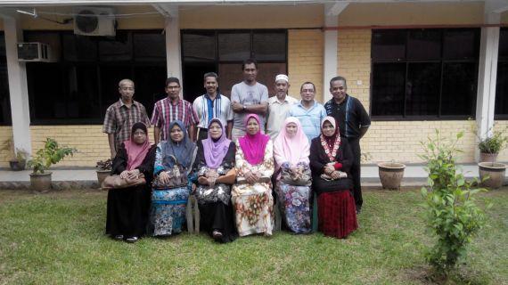 Generasi Pertama Tingkatan 6 SMK Baling; Sesi 1980-1981. Pengetua ;Tn. Hj Mokhtar Basaruddin, Guru Kelas, Cikgu Mohd Nor.; Duduk;Abidah Othman(?), Saudah Othman (Kemas), Syarifah Arbiah Shamsudin (Guru), Sharipah Saleh(Guru), Ean Norliza Ean Salim(Guru), Siti Zoyah Bidin(Guru), BERDIRI;Mansor Manaf(Socso), Zaki Abdullah(Pengetua), Idrus(Wartawan Sinar)Azhar (Pejabat Tanah Baling), Darus(Peg. Felda), Subki (Pensyarah Uitm),Mustaza(Guru SMK Baling)..